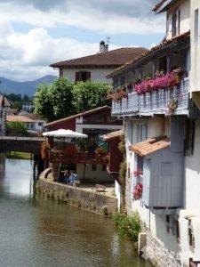 El Río Nive a su paso por Saint Jean Pied