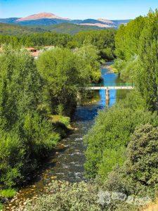 Puente sobre el Bernesga hacia La Seca