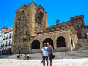 Torre de Bujaco y Ermita de la Paz