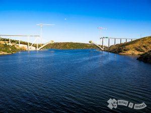 Cruzando el Río Almonte