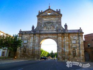 Arco de San Benito (Sahagún)