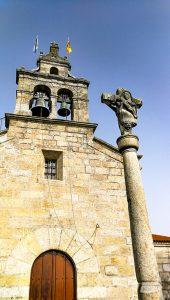 Iglesia y crucero de San Salvador de Coruxo
