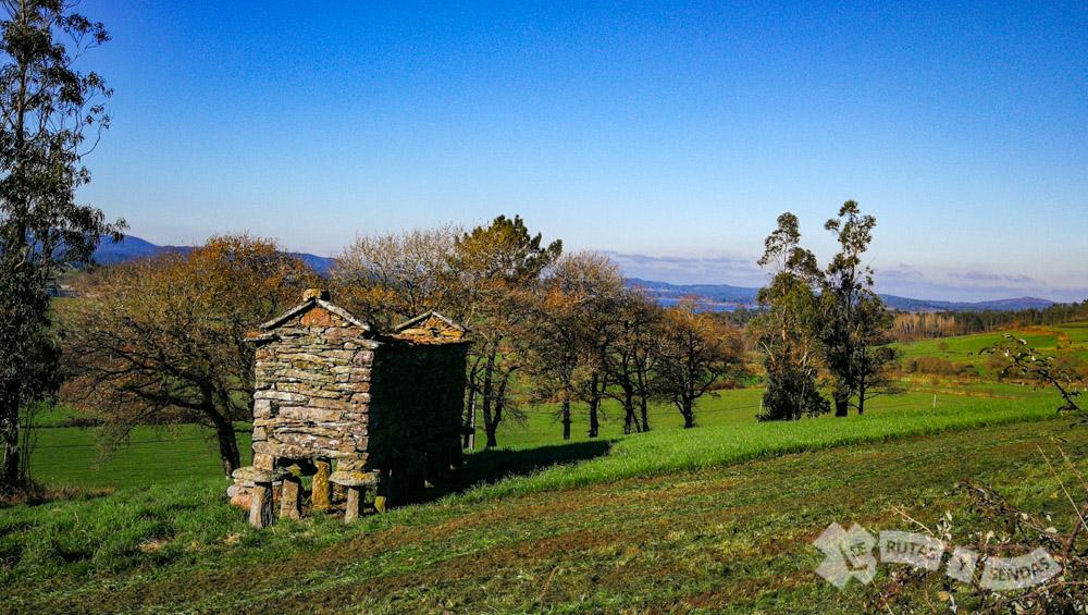 Hórreo en ruinas (Lago)