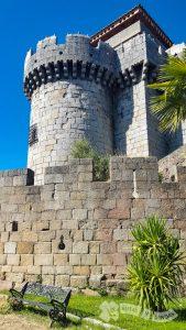 Barbacana y Castillo de los Alba