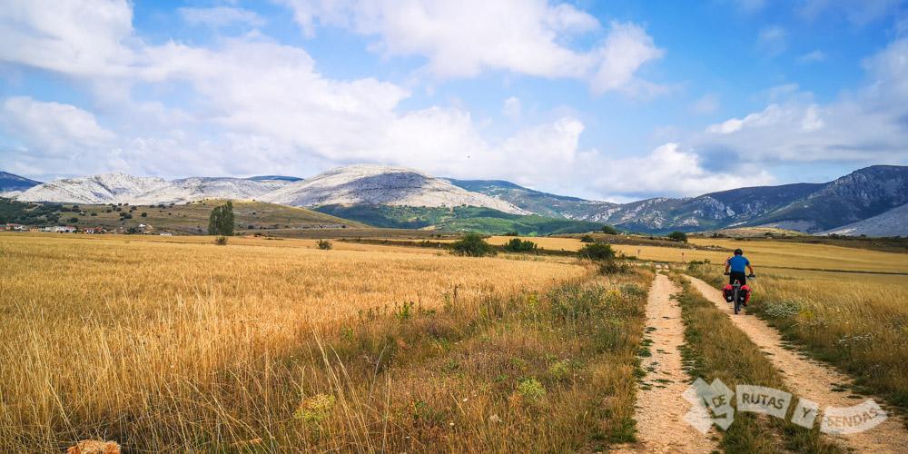 Sierra del Brezo al fondo