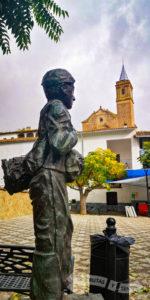 Homenaje a los Colmeneros e Iglesia del Divino Pastor