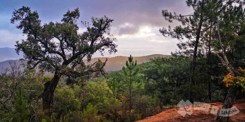 Vistas a las sierras que jalonan la Rivera de Huelva