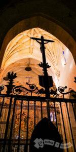 Rejería renacentista y bóveda estrellada del Altar Mayor