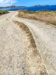 Cómoda pista de tierra y grava